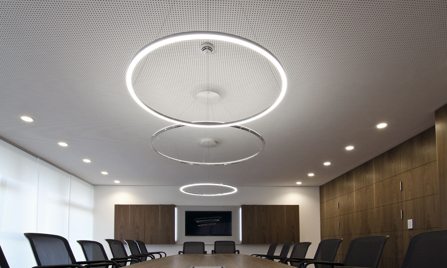 SLIMSattler SLIM Circular LED Pendant Light